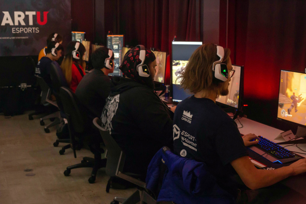 An E-Sports Team of Student Gamers