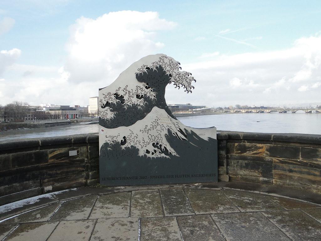 AH-Tobias Stengel Die Woge sculpture-flickr