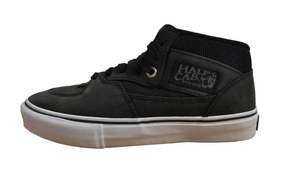 Black Vans Half Cab sneaker